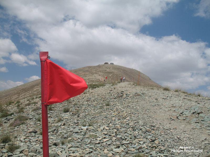 پرچم، قله ی توچال - عکس از پرهام خوشبخت - Akasee.ir